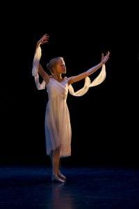 Jente danser ballett