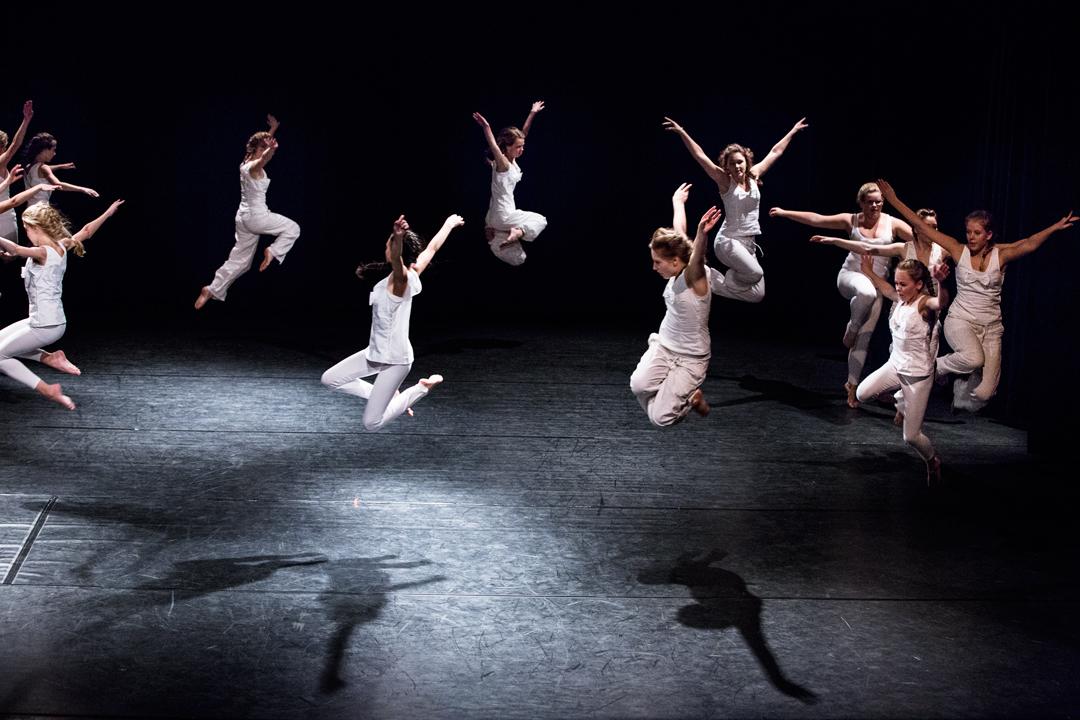 Dansere hopper